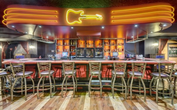 Restaurant Bar Design & Fabrication